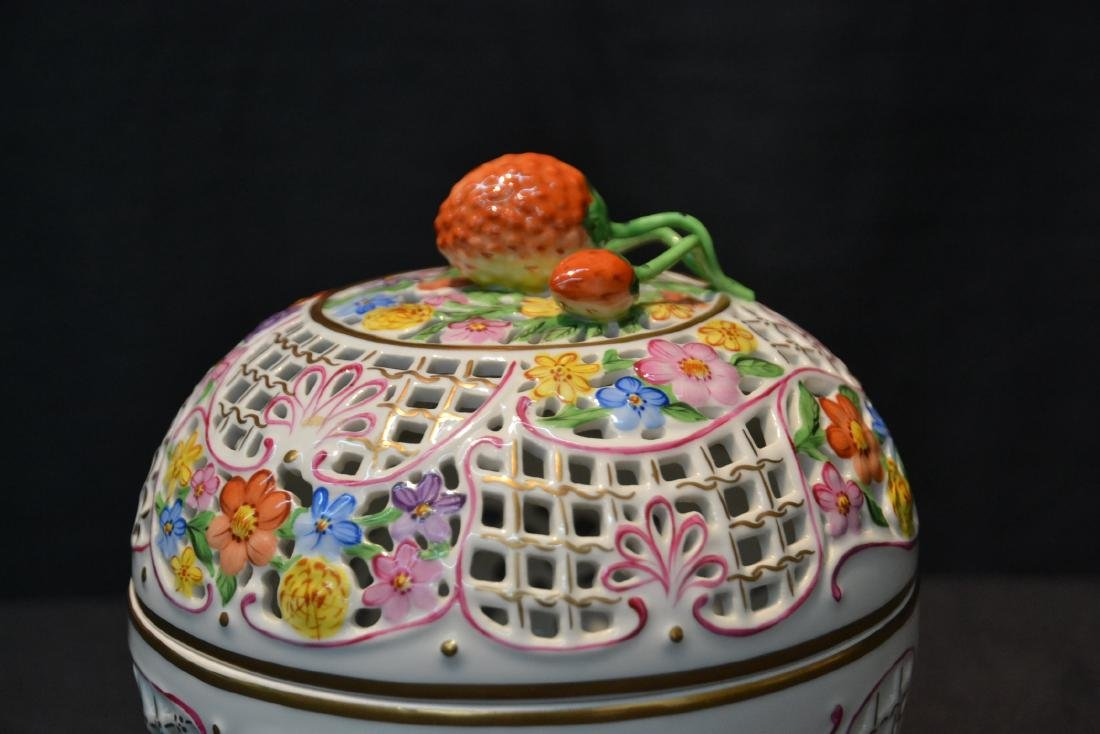 RETICULATED HEREND COVERED BOWL WITH - 2