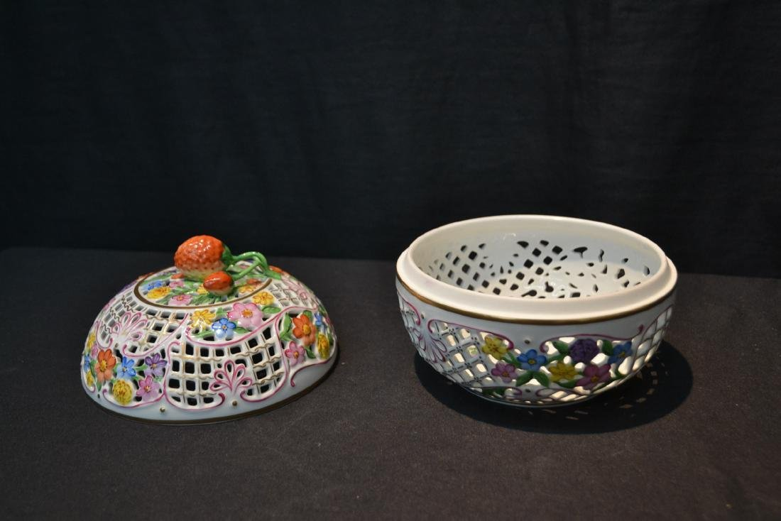 RETICULATED HEREND COVERED BOWL WITH - 4