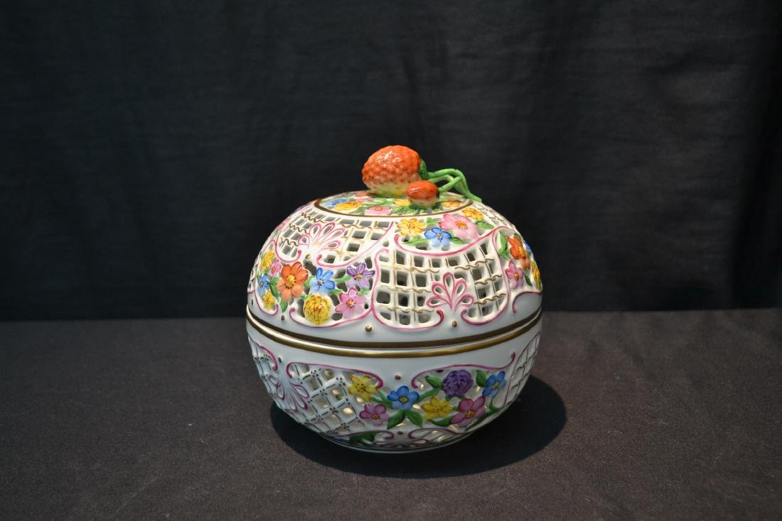 RETICULATED HEREND COVERED BOWL WITH - 9