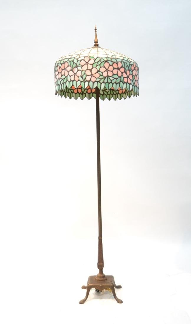 LEADED GLASS SHADE FLOOR LAMP WITH FLORAL BORDER