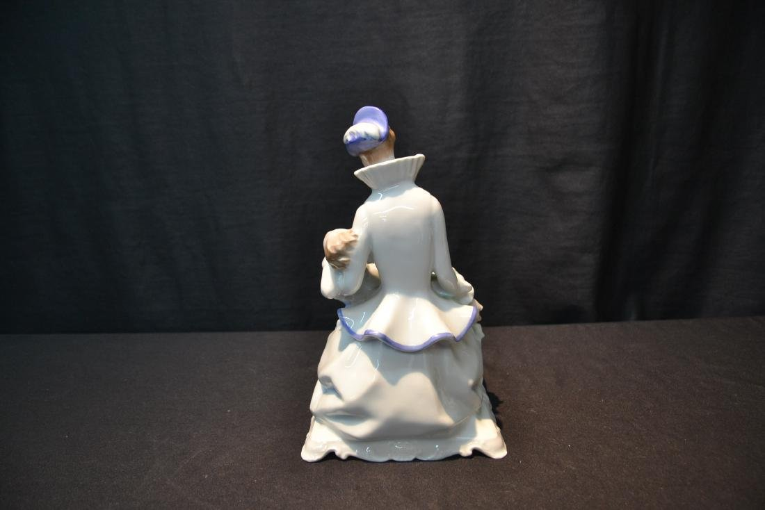 HEREND PORCELAIN MOTHER & CHILD - 5
