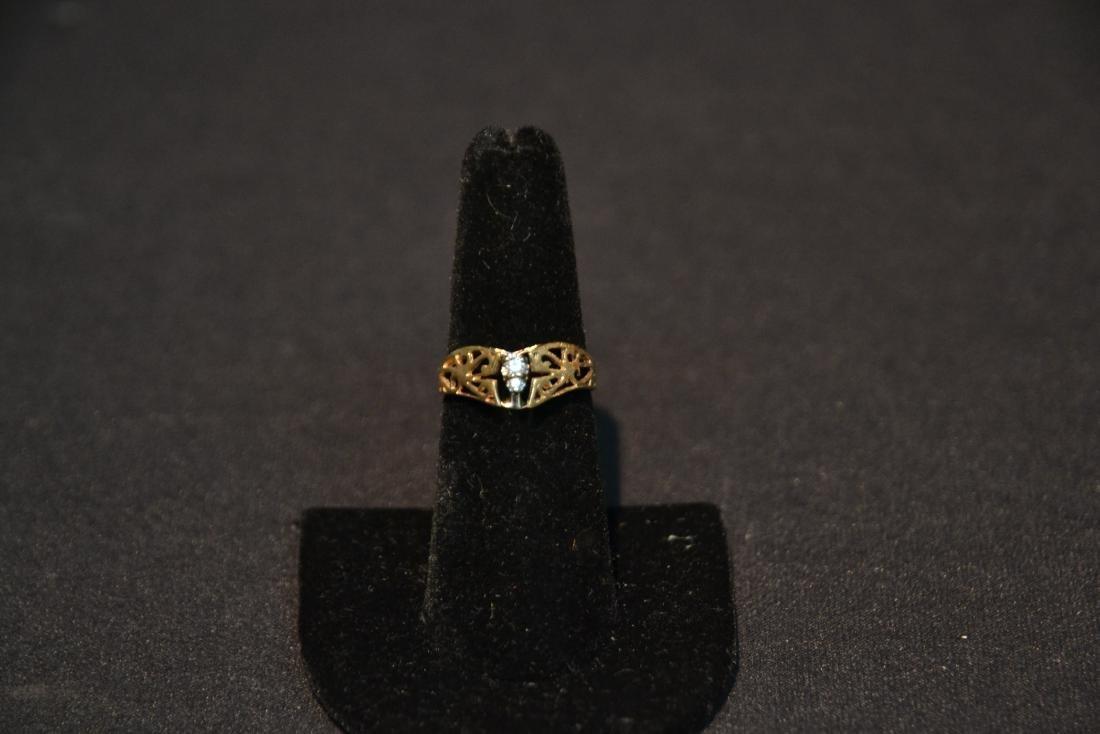 14kt (2) DIAMOND FILIGREE RING - SIZE 7 - 6