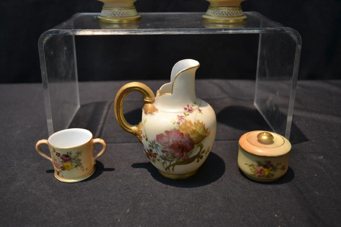 (5)pc's OF ROYAL WORCESTER TO INCLUDE - 5
