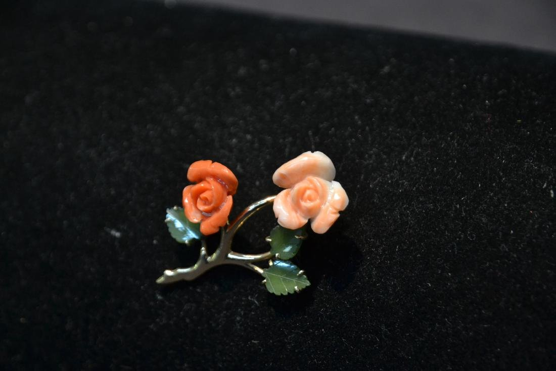 14kt CORAL & JADE FLOWER PIN - BROOCH - 3