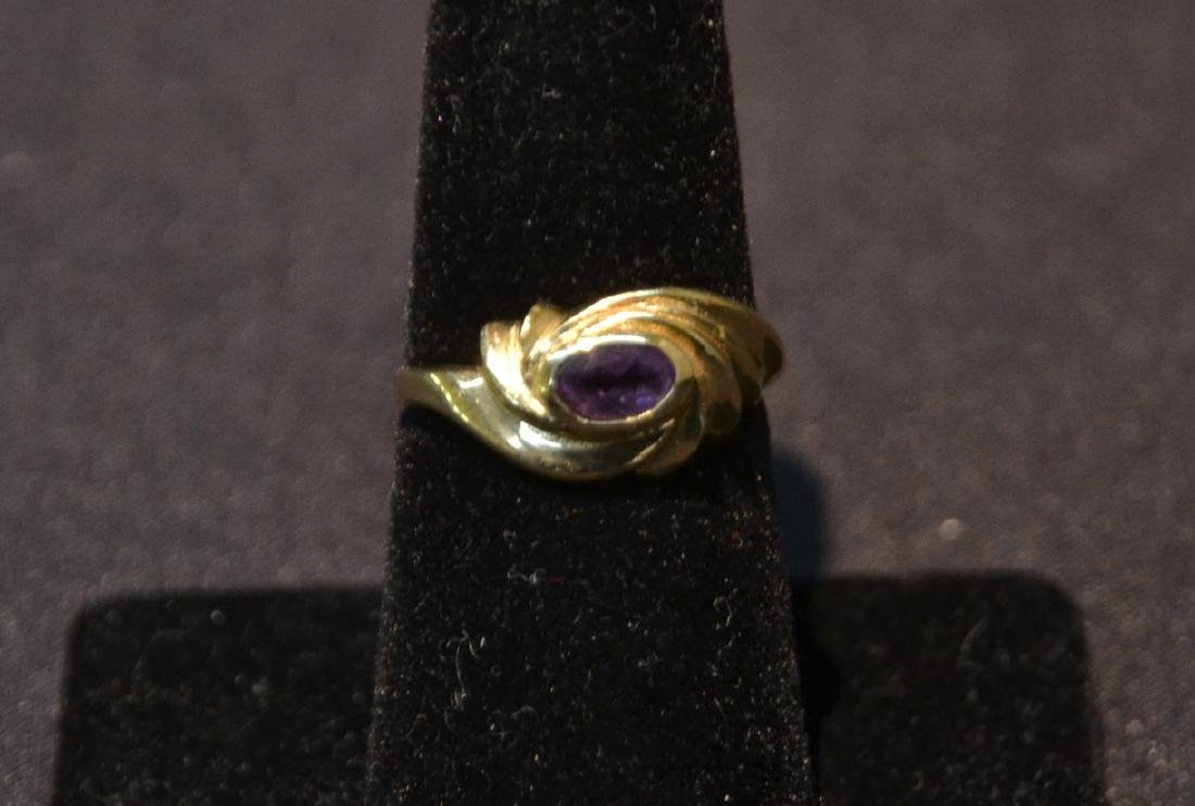 14kt GOLD RING WITH AMETHYST - SIZE 7 ; 3.1grams