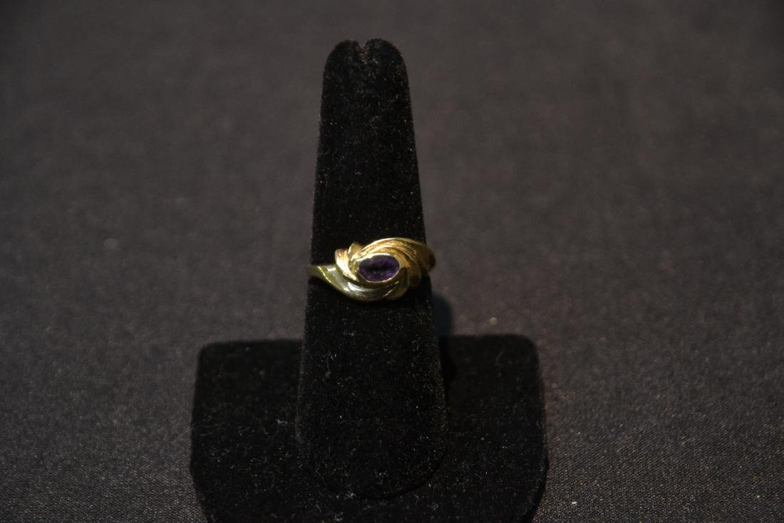14kt GOLD RING WITH AMETHYST - SIZE 7 ; 3.1grams - 7