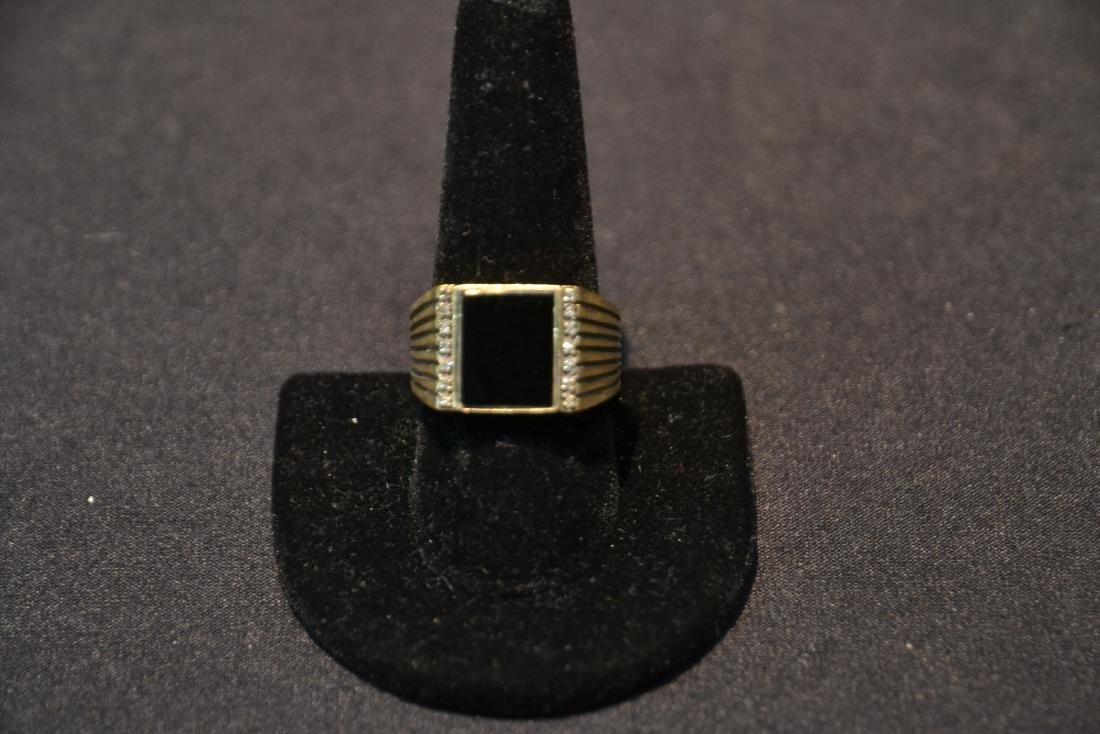 14kt GOLD DIAMOND & ONYX MANS RING - SIZE 9 1/2 - 3