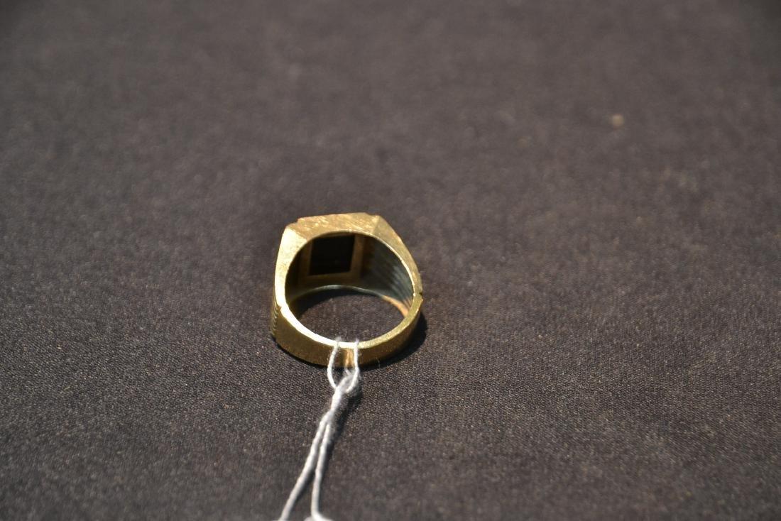 14kt GOLD DIAMOND & ONYX MANS RING - SIZE 9 1/2 - 6