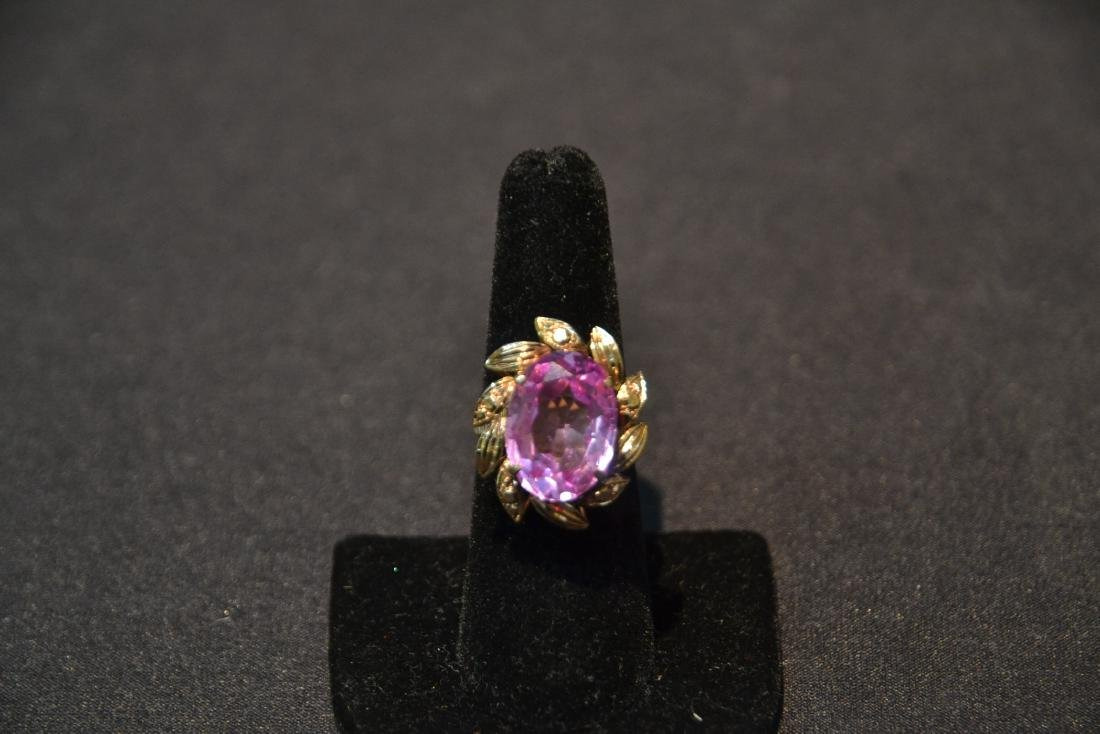 18kt GOLD LARGE PINK STONE RING - SIZE 7 1/4 - 4
