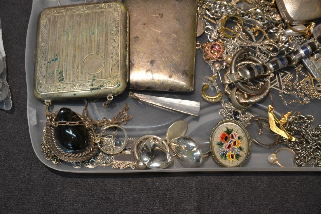 ASSORTED COMPACTS , EARRINGS , RINGS & NECKLACES - 6