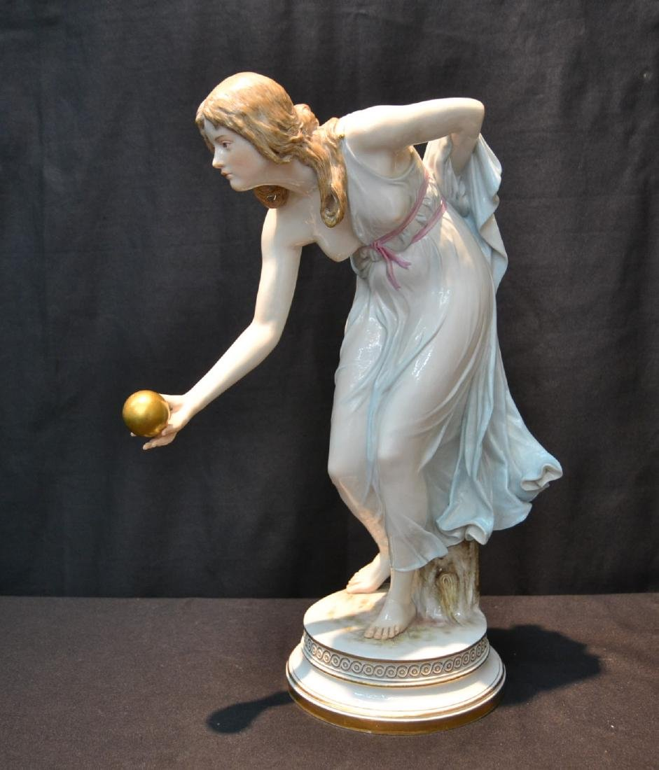 MEISSEN PORCELAIN BALL THROWER FIGURE