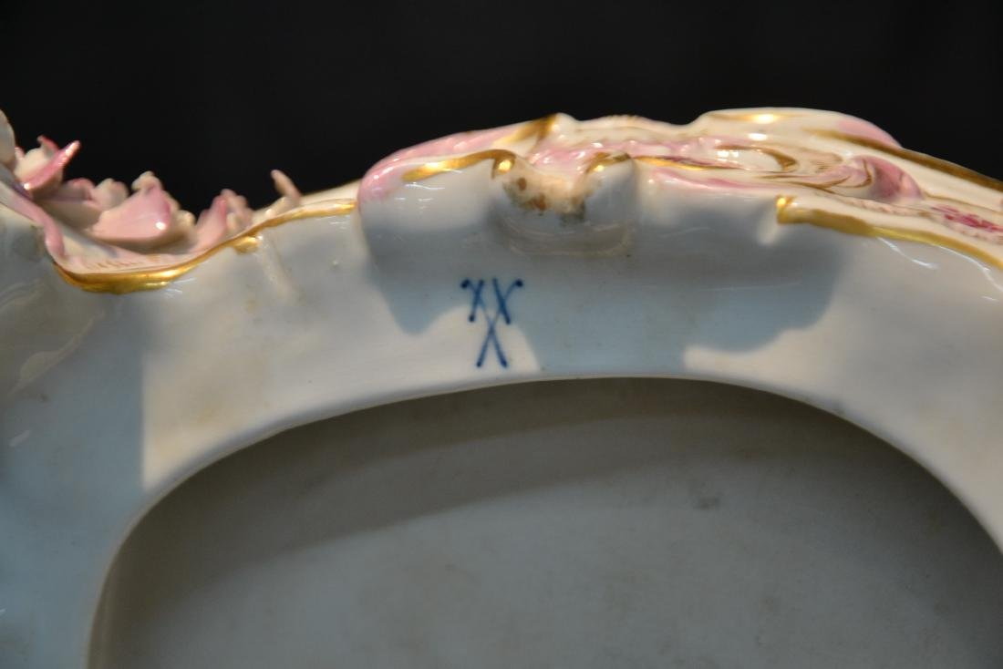 MEISSEN PORCELAIN LAMP WITH PUTTIS PLAYING - 11