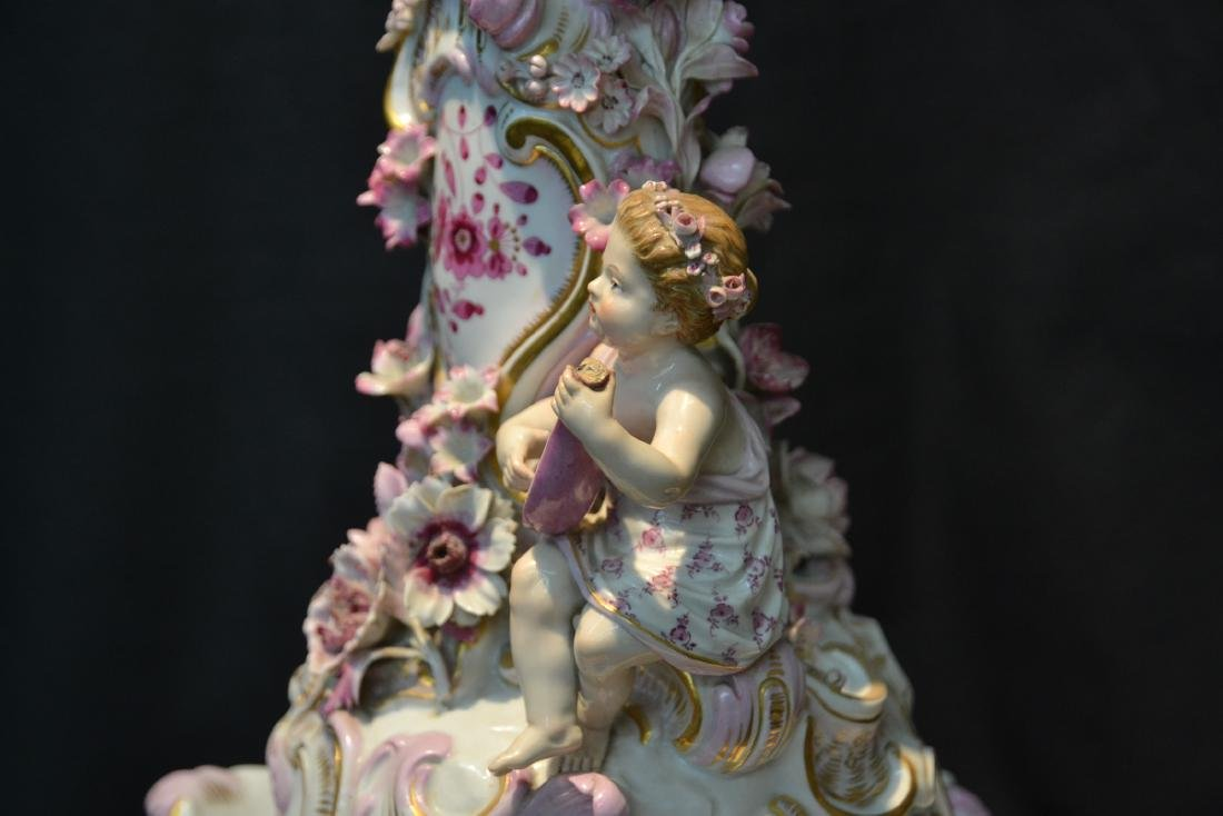 MEISSEN PORCELAIN LAMP WITH PUTTIS PLAYING - 6
