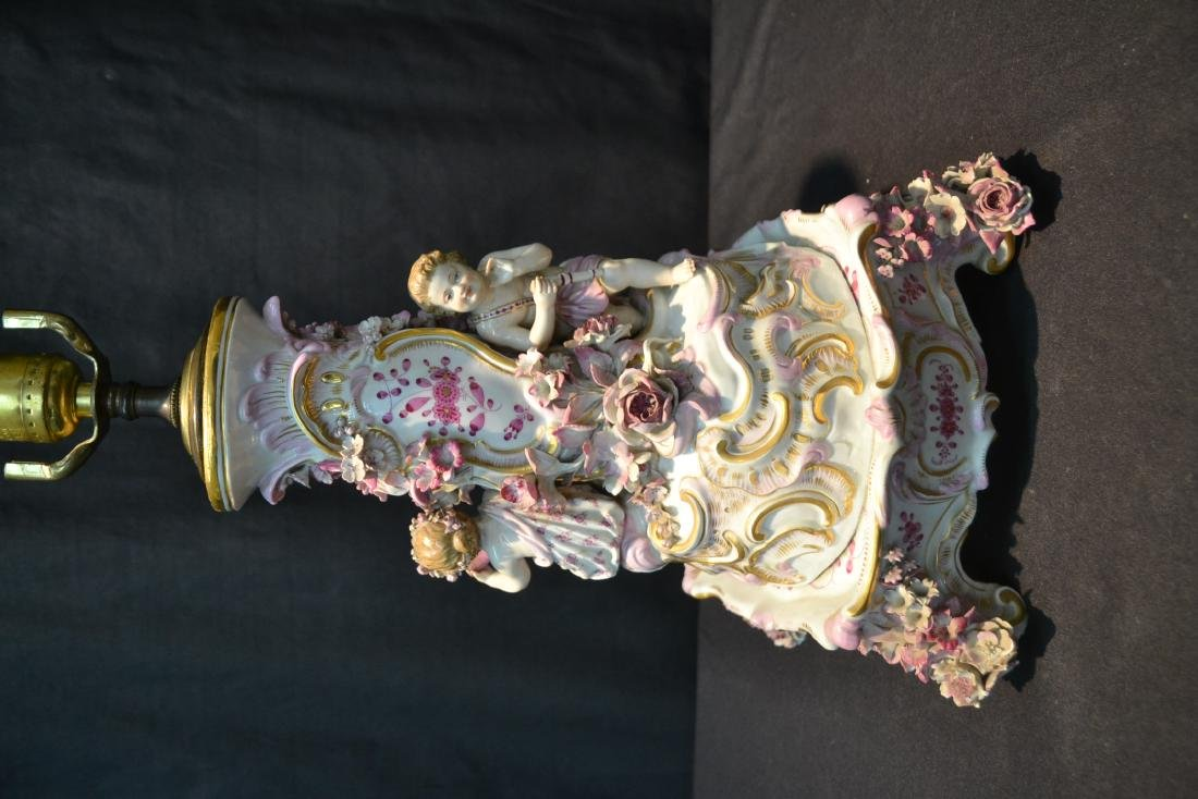 MEISSEN PORCELAIN LAMP WITH PUTTIS PLAYING - 7