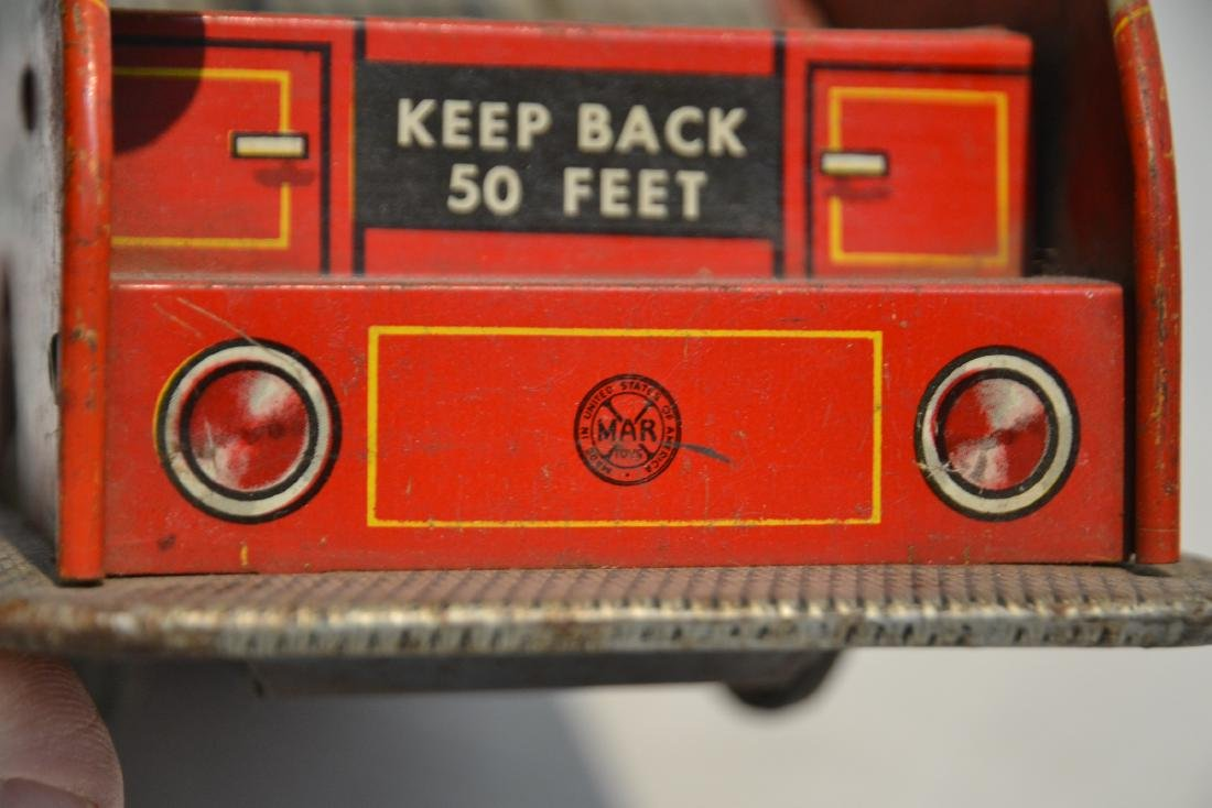 VINTAGE MARX BROS. LITHOGRAPHED TIN FIRE TRUCK - 8