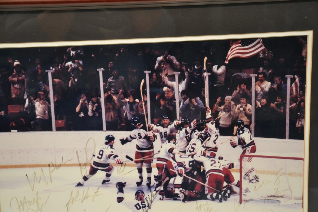 """1980 USA OLYMPIC GOLD MEDAL TEAM """"MIRACLE ON ICE"""" - 8"""