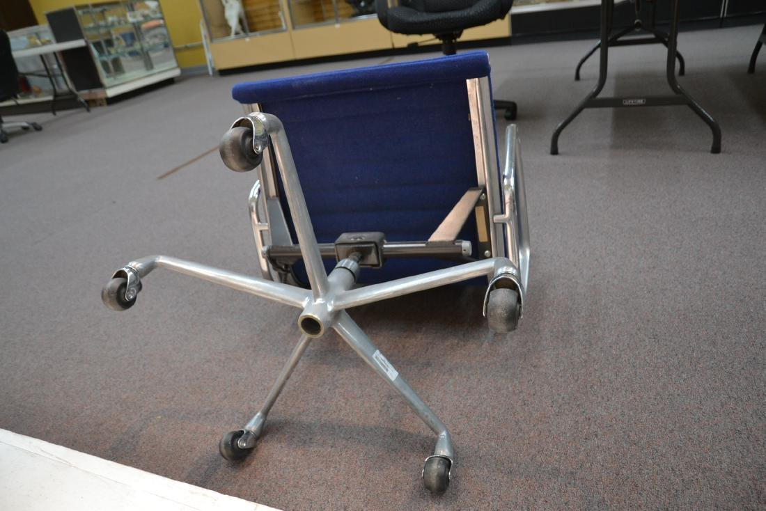 (Pr) EAMES FOR HERMAN MILLER ALUMINUM GROUP CHAIRS - 8