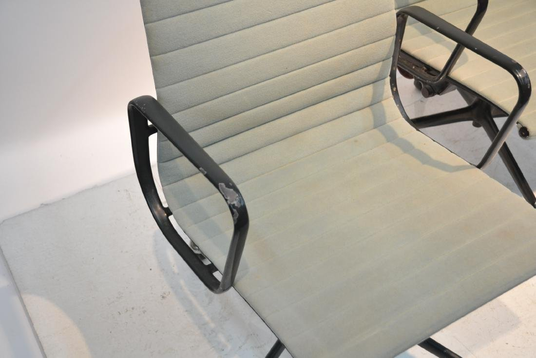 (3) EAMES FOR HERMAN MILLER ALUMINUM GROUP CHAIRS - 5