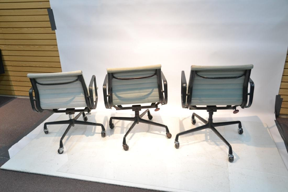 (3) EAMES FOR HERMAN MILLER ALUMINUM GROUP CHAIRS - 7