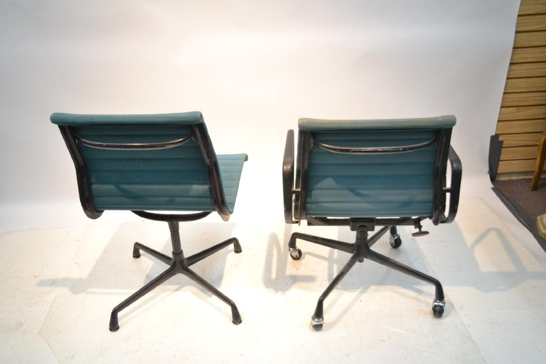 (2) EAMES FOR HERMAN MILLER ALUMINUM GROUP CHAIRS - 7