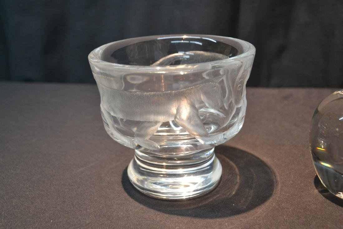 STEUBEN CRYSTAL APPLE PAPERWEIGHT - 2