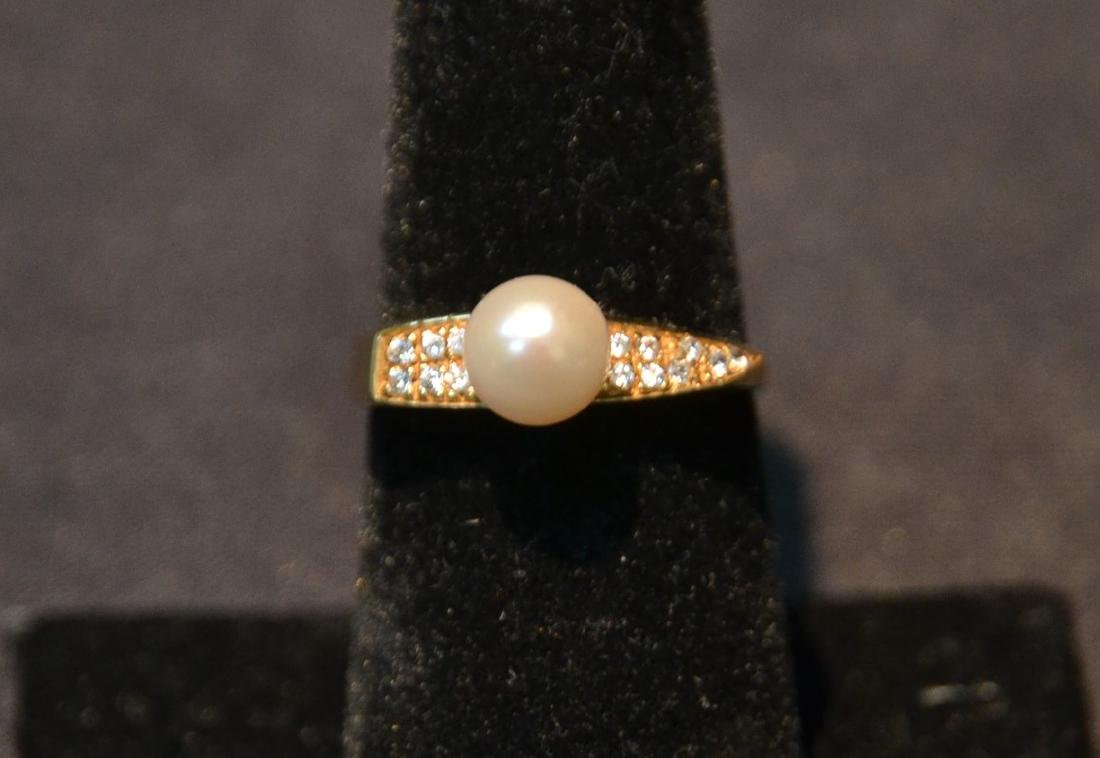 14kt DIAMOND & PEARL RING - SIZE 7 1/2 ; 3.5grams