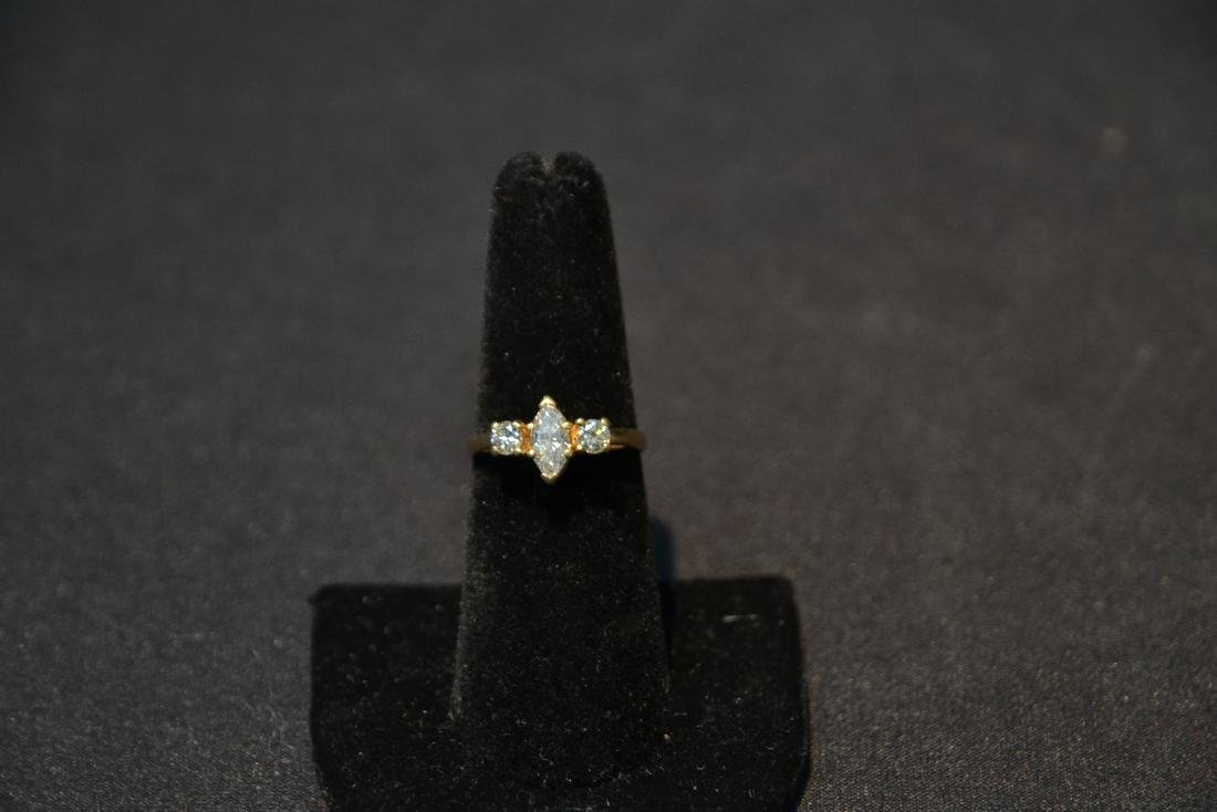 14kt DIAMOND RING WITH APPROXIMATELY 1ct MARQUIS - 3