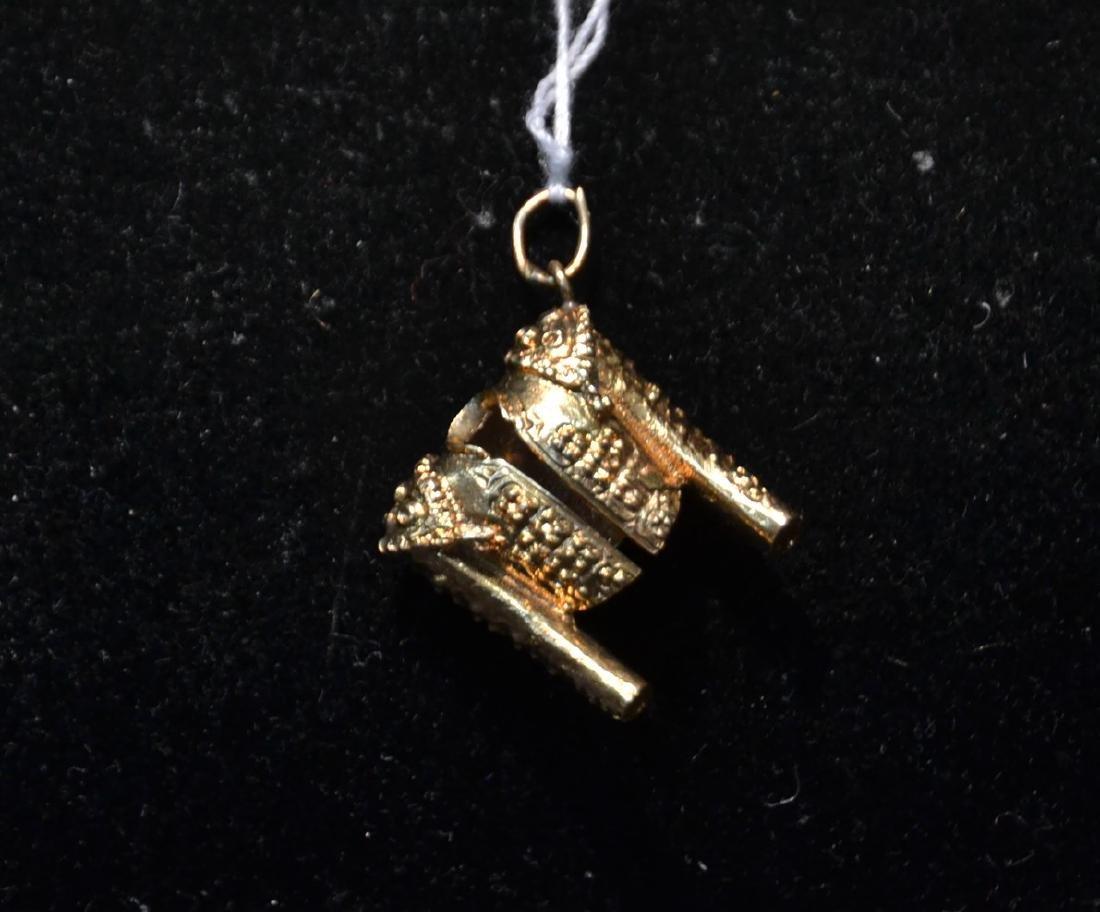 18kt GOLD MATADOR JACKET CHARM