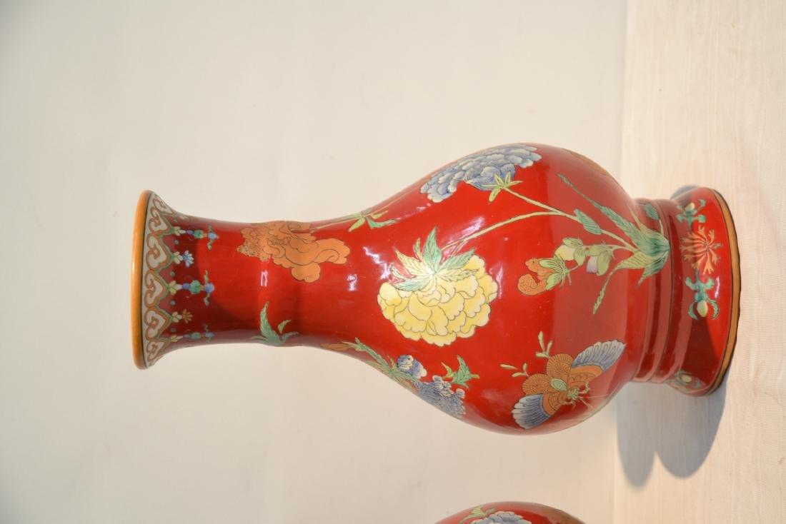 (Pr) RED GROUND CHINESE PORCELAIN VASES WITH - 4