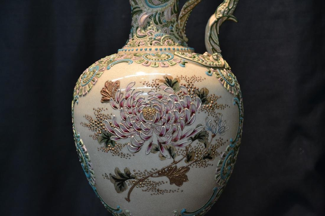 LARGE MORIAGE EWER WITH CHRYSENTHEMUM FLOWERS - 2