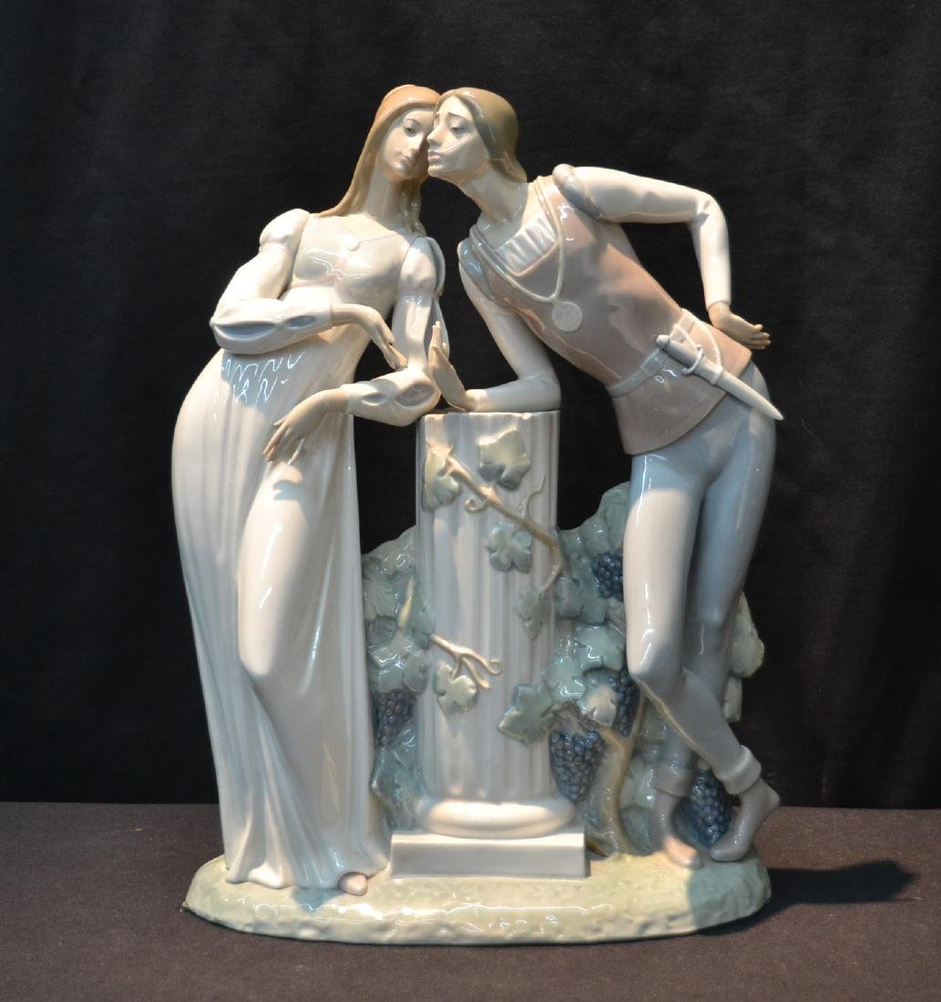 LARGE LLADRO ROMEO & JULIET DOUBLE FIGURE