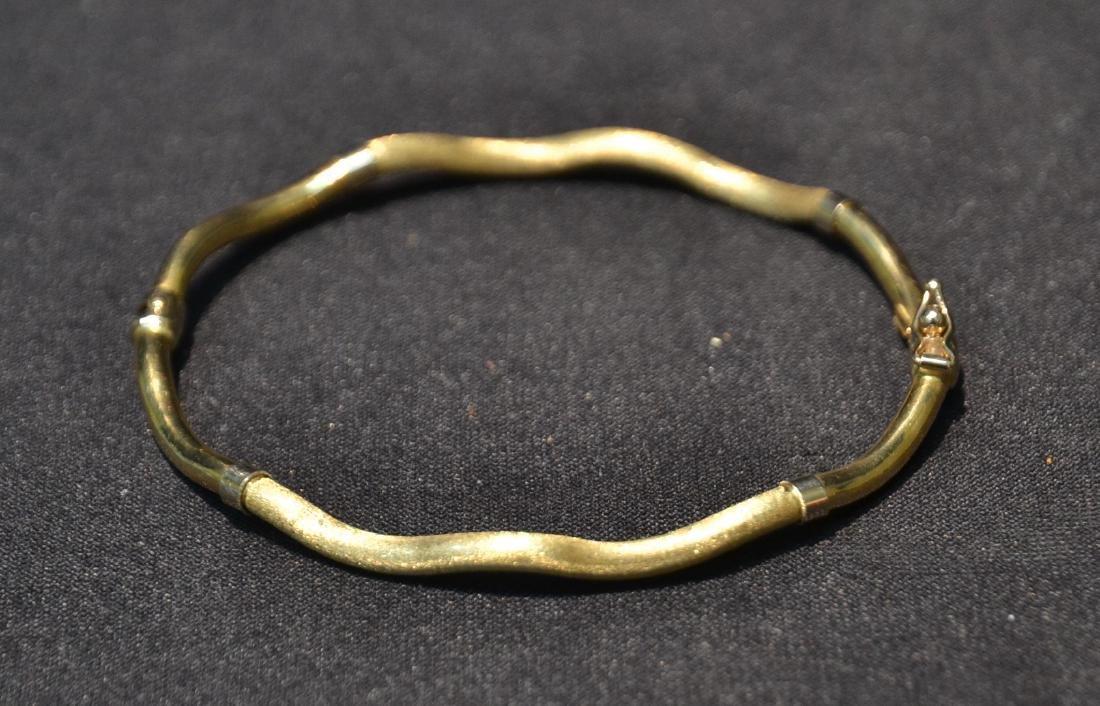 18kt GOLD BANGLE BRACELET - 5.1grams