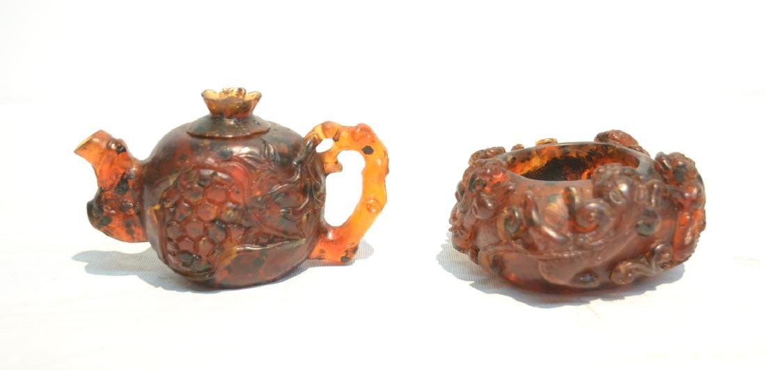 CARVED CHINESE AMBER MINIATURE TEA POT &