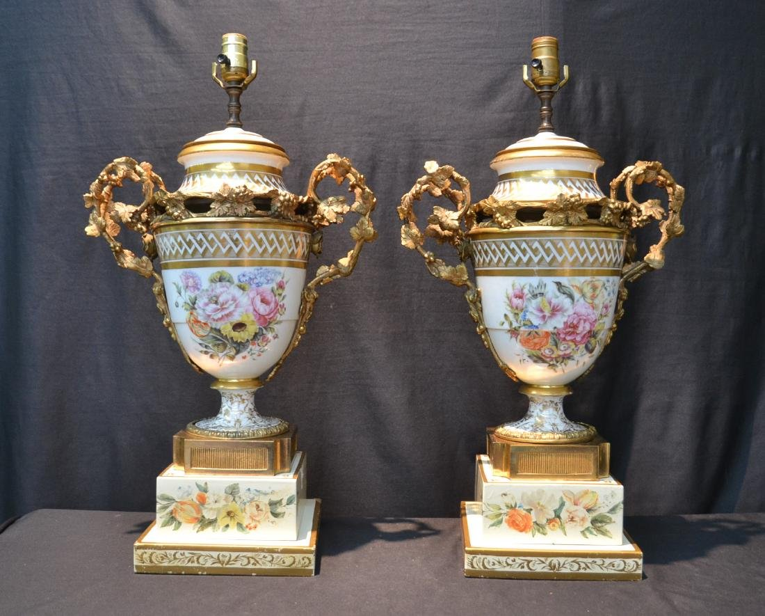 (Pr) CONTINENTAL PORCELAIN & BRONZE MOUNTED LAMPS