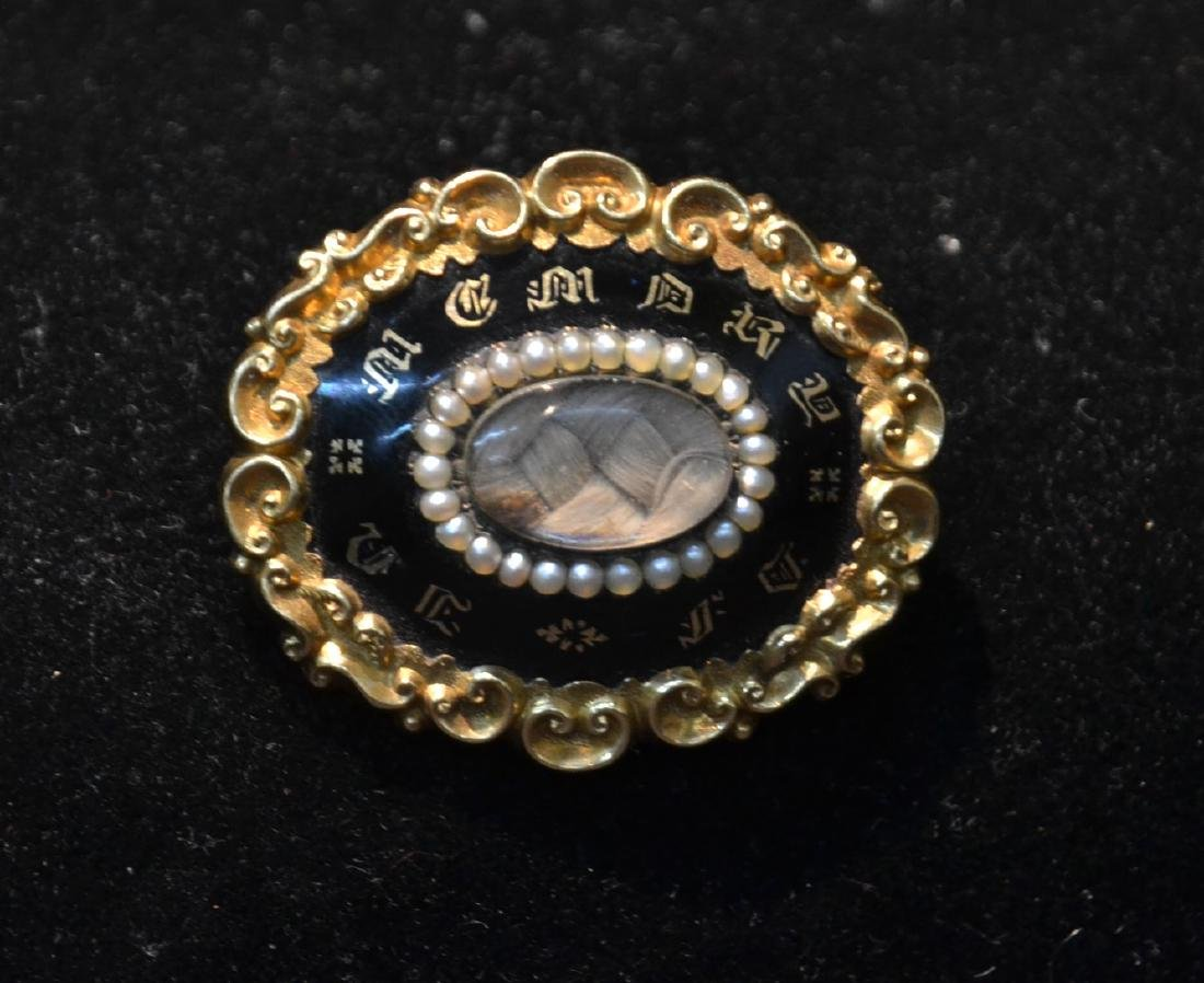 VICTORIAN 10kt MEMORANDUM PIN WITH