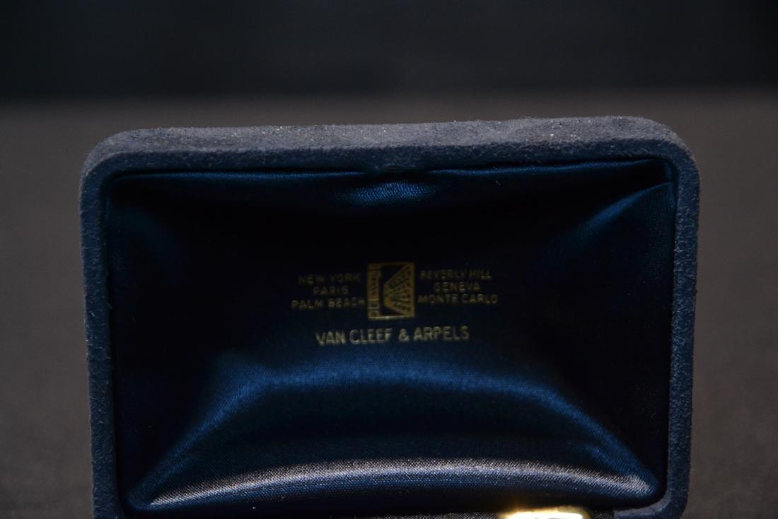 (Pr) 18kt VAN CLEEF & ARPEL CUFFLINKS WITH - 14