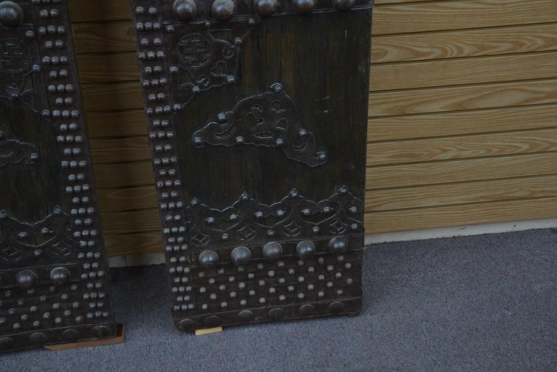 (Pr) LARGE WROUGHT IRON MOUNTED DOORS - 7