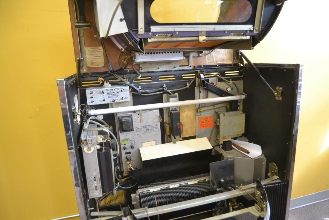 SEEBURG DISCO JUKE BOX , STEREO PHONOGRAPH - 10