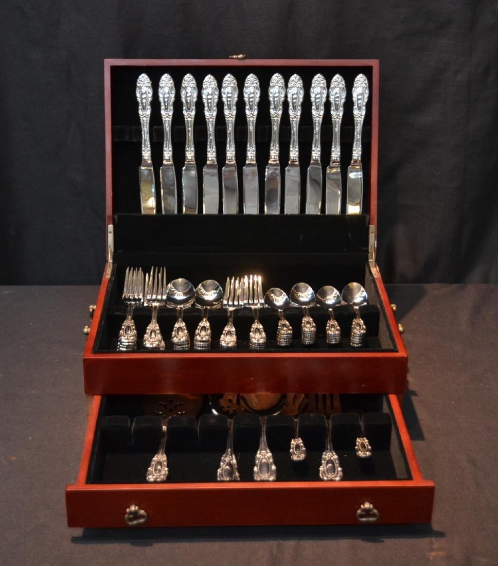 WALLACE STAINLESS STEEL FLATWARE SET FOR (12)