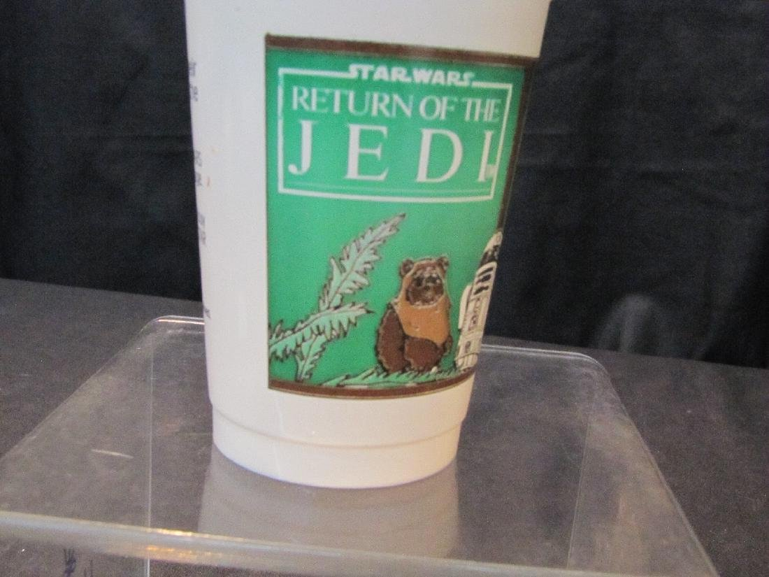 "(58) VINTAGE STAR WARS ""RETURN OF THE JEDI"" CUPS - 4"