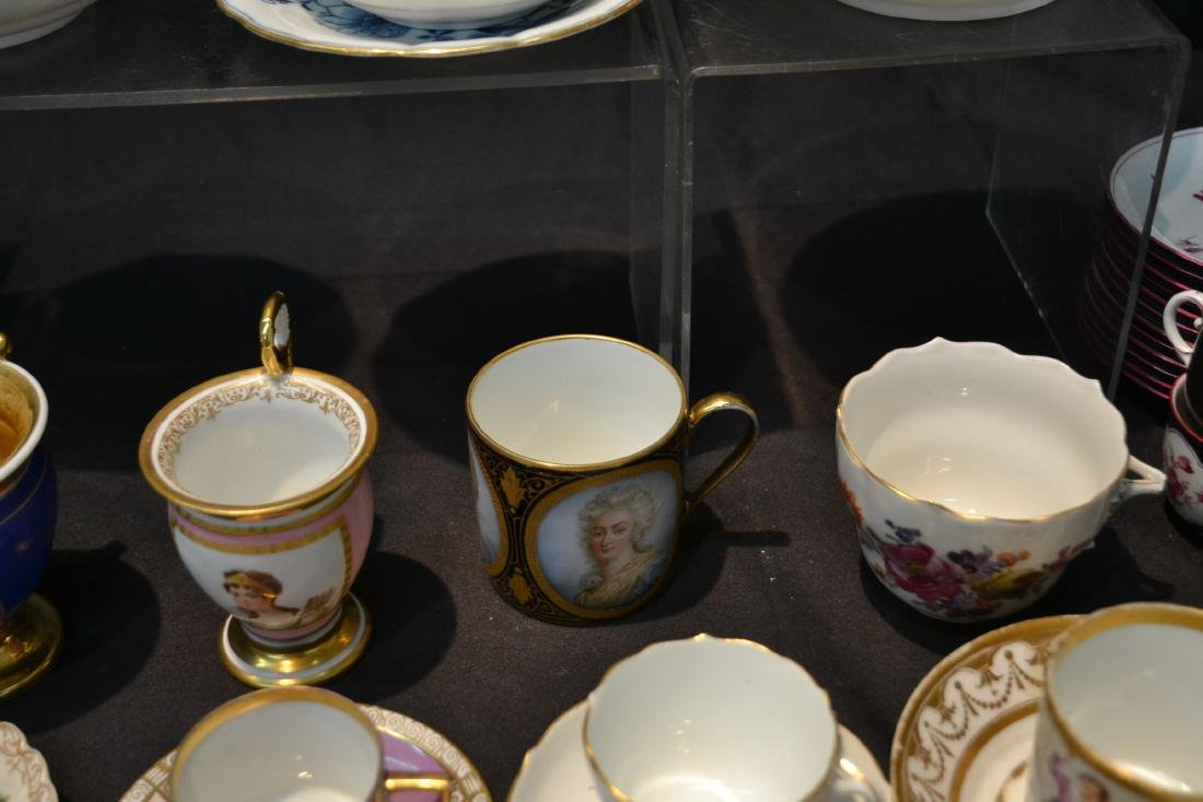 LARGE COLLECTION OF ASSORTED CUPS & SAUCERS - 10