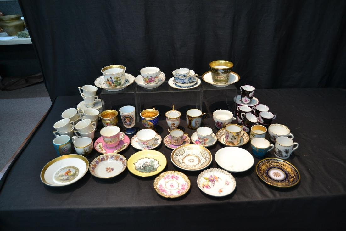 LARGE COLLECTION OF ASSORTED CUPS & SAUCERS - 2