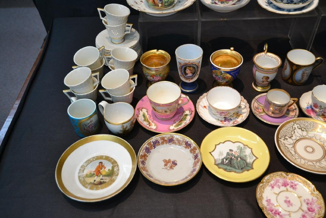 LARGE COLLECTION OF ASSORTED CUPS & SAUCERS - 4