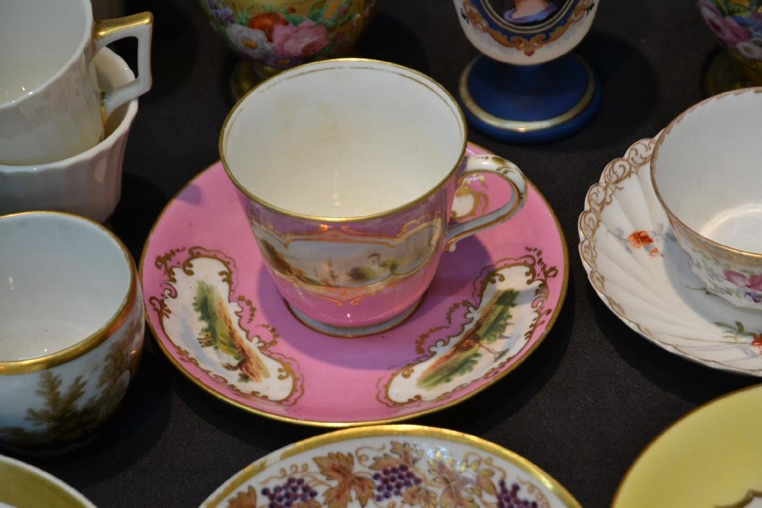 LARGE COLLECTION OF ASSORTED CUPS & SAUCERS - 5