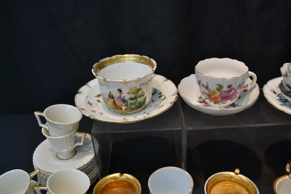 LARGE COLLECTION OF ASSORTED CUPS & SAUCERS - 6