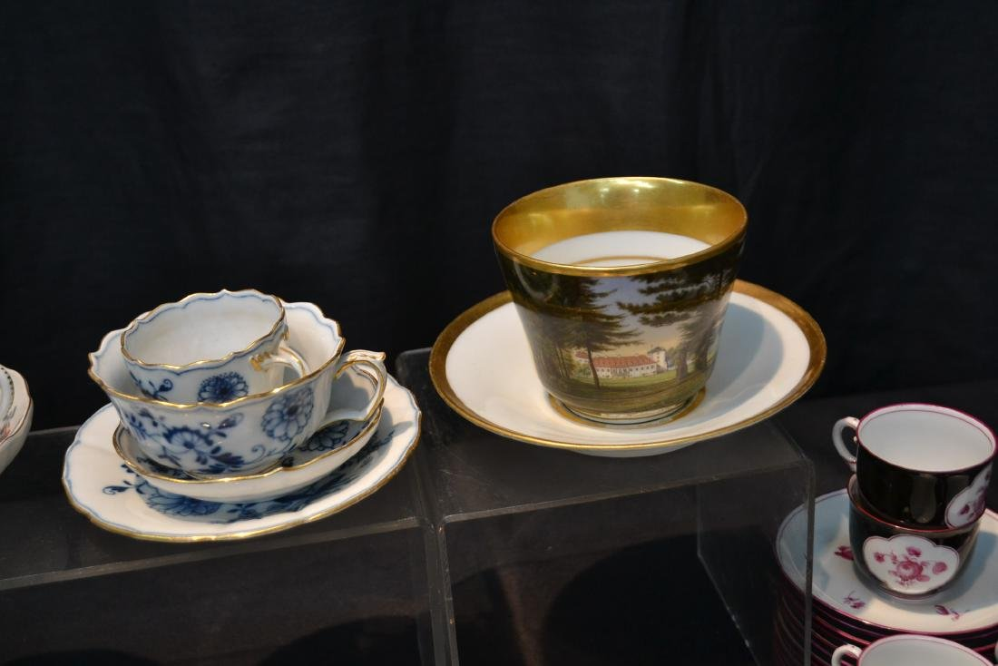 LARGE COLLECTION OF ASSORTED CUPS & SAUCERS - 7