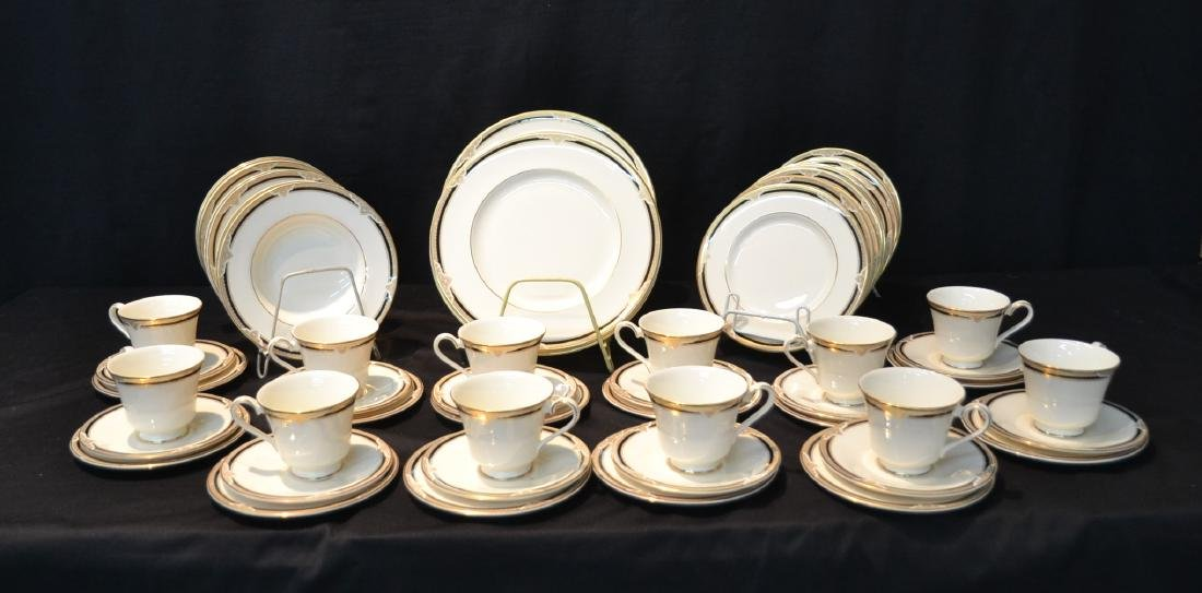 "ROYAL DOULTON ""ANDOVER"" FINE CHINA DINNER SET"