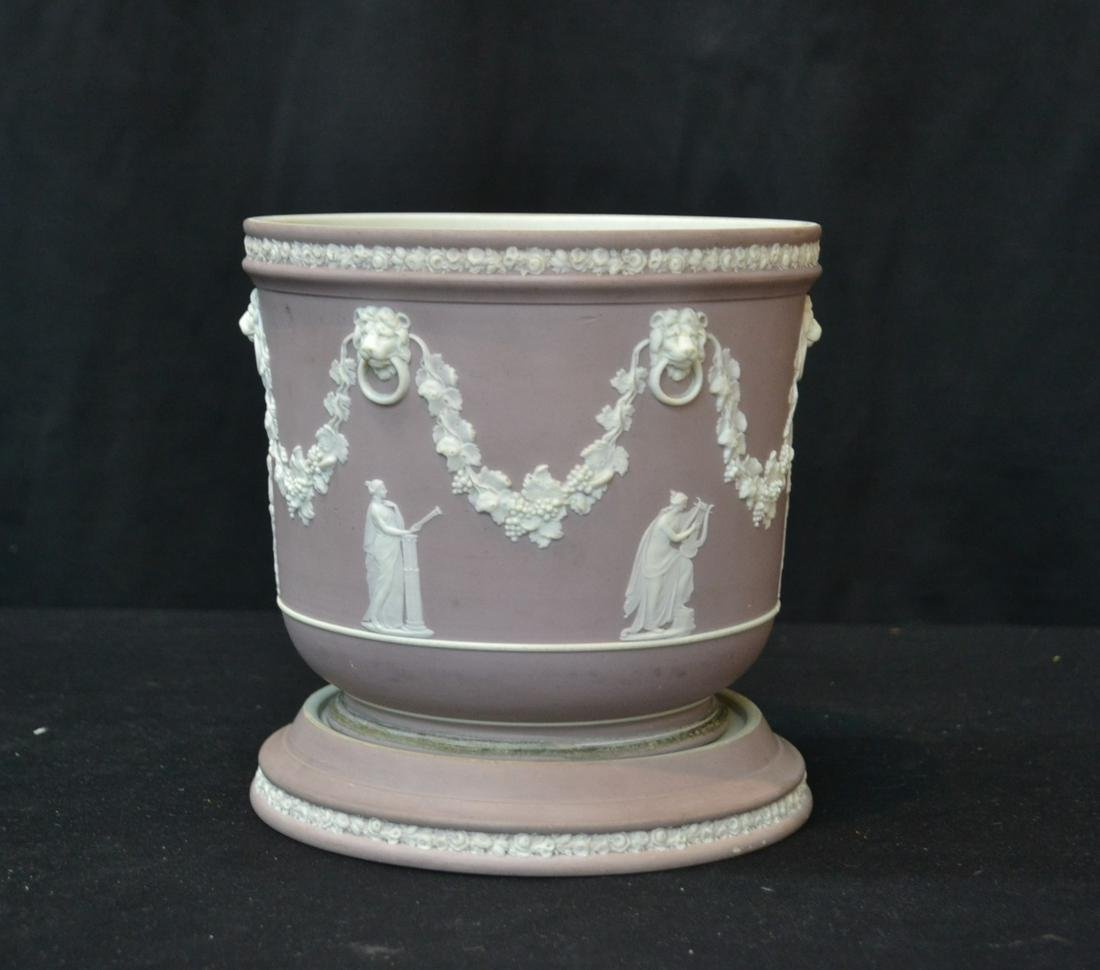 WEDGWOOD LILAC JARDINIERE WITH UNDERPLATE