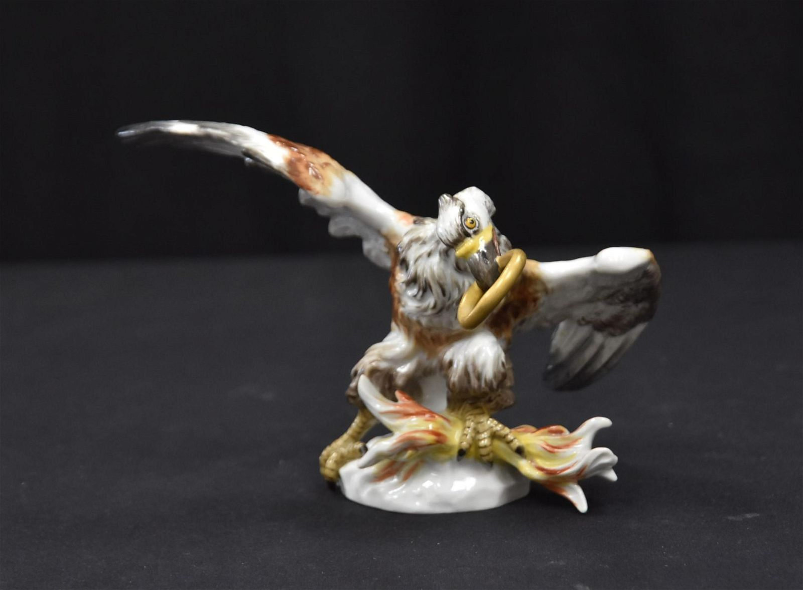 MEISSEN PORCELAIN EAGLE WITH RING IN MOUTH