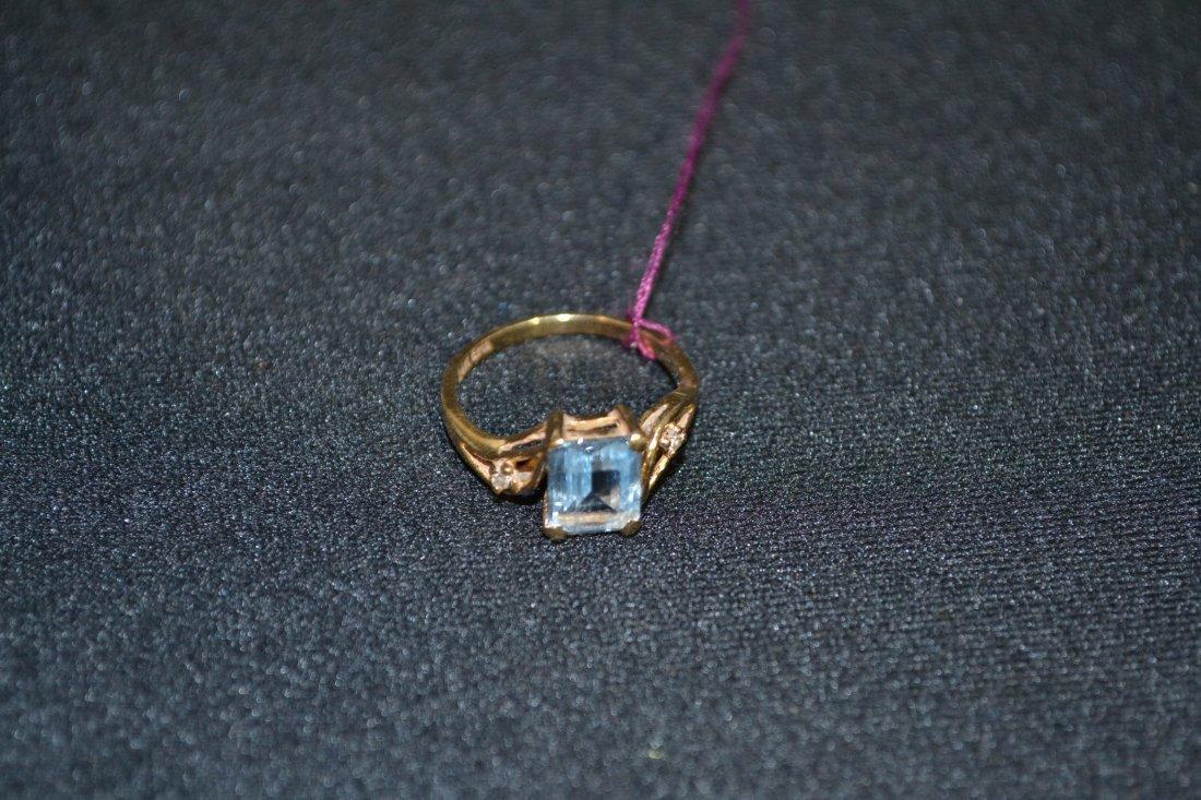 240A: 14kt AQUA & DIAMOND RING - 5 3/4 SIZE